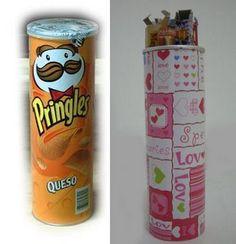Latas de Pringles encapadas com tecido. Podem ser utilizadas como embalagem para presentes e afins. #reciclagem