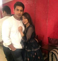 Cupid struck Shehnaaz Gill within the Bigg Boss 13 house after she befriended co-contestant Sidharth Shukla. Shehnaaz and Sidharth's chemistry was one of the hi Karan Johar, Couple Photography Poses, Life Partners, Having A Crush, Best Couple, New Music, Cute Couples, Party Wear, Love Her