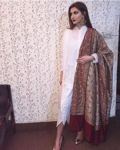 A simple white outfit and a played up dupatta is always a way to go. Pakistani Wedding Outfits, Pakistani Wedding Dresses, Indian Dresses, Indian Outfits, Shadi Dresses, Bridal Dresses, Desi Clothes, Asian Clothes, Eid Outfits