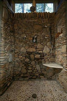 Banheiro com o uso de pedras.