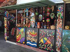 El Salvador 2015 Craft market in San Salvador...Puesto de venta de artesanías…