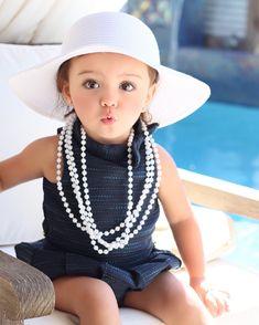 She picked out her hat and necklace 👸🏼👗👜👛 #janieandjack  #katespadekids #trendiekids #trendykiddies #kidsstylezz #superfashionkids #igkiddies #instatoddler #cutekidsfashion  #fashion #fashionkids #stylish_cubs #cutekidsclub #beautiesandgents #daddyandme #kidzmoda #hipkidfashion #totsontheblock #candidchildhood #kidzootd #perfectbabies #brandrepsearch #postmyfashionkid #trendy_tots #brandrep #trendykidz_fashion #cutest_kiddies #fashionminis #instakids #kidzfashion