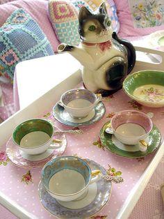 """inkiemama: """" kitty teapot! """""""
