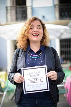La empresaria Concha Sáez se une al Fashion Revolution Day Tenerife y quiere saber quien hace su ropa! @fash_rev #insideout Foto: Javier velasco Velasco, Tenerife, Events, Day, Fashion, Do I Wanna Know, Entrepreneur, Did You Know, Clothing