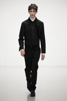 Xander Zhou Fall/Winter 2016/17 - London Collections: MEN - Male Fashion Trends