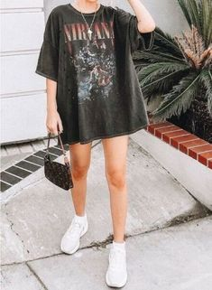 roupas fashion Baddie outfit ideas is a g - fashion Vintage Outfits, Retro Outfits, Cute Casual Outfits, Summer Outfits, Girl Outfits, Picnic Outfits, Summer Dress, Sporty Outfits, Vacation Outfits