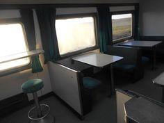 Tren de los Ochenta. Vagon Restaurante. Interior.