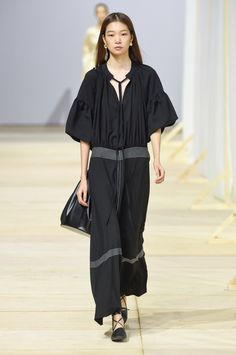Low Classic Seoul Spring 2018 Collection Photos - Vogue