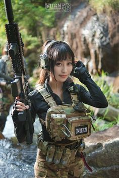 Girl with a Weapon charlie baltimore bikini Military girl . Women in the military . Women with guns . Girls with weapons Airsoft Girls, Mädchen In Uniform, Gunslinger Girl, Cowboy Action Shooting, Girls Are Awesome, Military Women, Military Army, Military Force, Cosplay