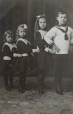 4⃣ Alfred's granchildren - The rather good looking children of Princess Alexandra and Prince Ernst, left to right:  Princess Irma, Princess Alexandra, Princess Marie Melita and Prince Gottfried (Prince Alfred, the youngest child, died 2 days after birth).