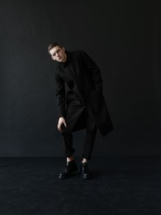 Approaching Autumn/Winter Warsaw based THISISNON again challenges my task of writing about them without using the phrase fashion brand. Black Wool, Minimalist Fashion, Fashion Brand, Movie Stars, Editorial Fashion, Street Wear, Fashion Photography, Normcore, Handsome