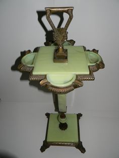 Art Deco Jadeite Ash Stand