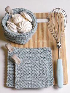 aquamarine color http://bottheka.com/en/kitchen-affairs-iii