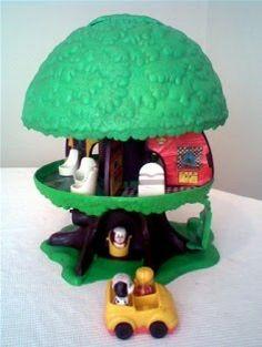 Cool-tura retro. La mejor forma de (re)vivir los ochentas.: La casita del arbol lili ledy Wat is hier heerlijk mee gespeeld.....