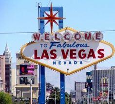 On average, Las Vegas has 320 days of sun! Come see us soon because regardless of the season, Las Vegas is the perfect place to be. Las Vegas Sign, Las Vegas Trip, Las Vegas Nevada, Vegas Getaway, Vegas Vacation, Vacation Spots, Vegas 2, Vacation Memories, Travel Memories