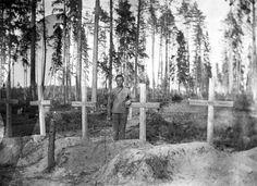 CENTENARIO de la Gran Revolución Rusa, IN MEMORIAN  DE TODOS LOS RUSOS que no sobrevivieron. (Cementerio regimental. 1917)
