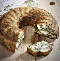 Η σπανακόπιτα είναι ένα από τα πιο αγαπημένα φαγητά σε κάθε ελληνικό σπίτι. Όμως δεν ξέρουν όλοι να ανοίγουν φύλλο και ακόμη κι αν ξέρου...