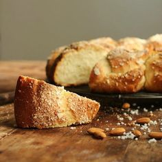Cuadrados de membrillo - Cocina Central Best Homemade Bread Recipe, Homemade Cookies, Bread Pudding With Apples, Holiday Bread, Herb Bread, Braided Bread, Rustic Bread, Apple Bread, Christmas Cooking