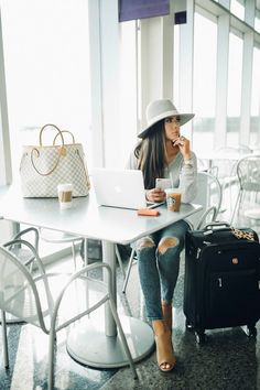 Ideas Travel Outfit Summer Airport Casual Shoes For 2019 Travel Chic, Travel Style, Travel Ootd, Travel Outfits, Travel Attire, Luxury Travel, Travel Outfit Summer, Summer Outfits, The Sweetest Thing Blog