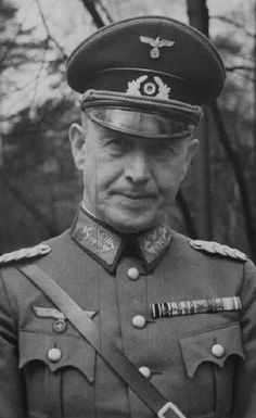 ■ General der Infanterie Walther Schroth (1882-1944) - Kommandierender General XII.Armeekorps. Died in a car accident on 6 October 1944 in Bad Nauheim.