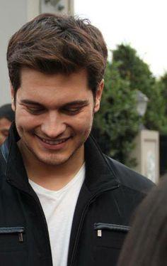 Çağatay Ulusoy. Actor y Modelo Turco. (23/09/1990) 26 años.