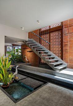 Dream Home Design, My Dream Home, House Design, Foyer Staircase, Staircase Design, Home Entrance Decor, House Entrance, Exterior Stairs, Interior And Exterior