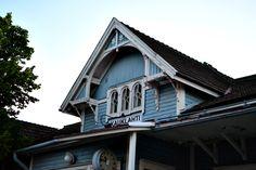 Espoo - Hansatie 3 Cabin, House Styles, Home Decor, Decoration Home, Room Decor, Cottage, Interior Decorating, Cottages