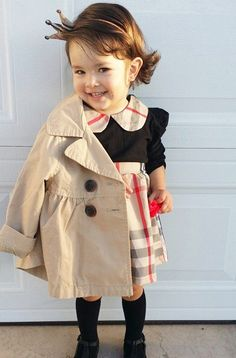 Moda Instagram, Little Children, Cool Kids, Kids Fashion, Raincoat, Victoria, Style Inspiration, Monet, Jackets