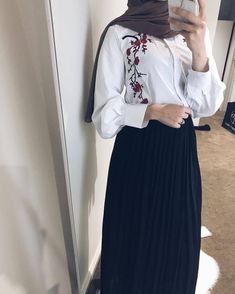 ZAFUL offers a wide selection of trendy fashion style women's clothing. Modest Wear, Modest Dresses, Modest Outfits, Skirt Outfits, Trendy Outfits, Abaya Fashion, Muslim Fashion, Modest Fashion, Fashion Outfits