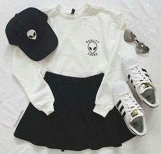 Imagen de adidas, fashion, and outfit Casual School Outfits, Teenage Outfits, Teen Fashion Outfits, Cute Casual Outfits, Cute Summer Outfits, Mode Outfits, Retro Outfits, Simple Outfits, Cute Fashion