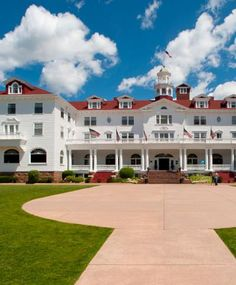7 romantic haunted hotels