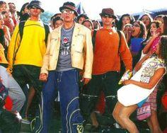 de Forum - Gallery Shah Rukh Khan Movies - Promo-Bilder SRK-Movie Stills - Main Hoon Na Promo Bilder - Seite 1 Shah Rukh Khan Movies, Shahrukh Khan, Main Hoon Na, Srk Movies, Maine, Bollywood