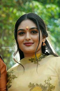 Beautiful Blonde Girl, Beautiful Girl Indian, Most Beautiful Indian Actress, Beauty Full Girl, Cute Beauty, Beauty Women, South Indian Actress Hot, Beautiful Bollywood Actress, Indian Beauty Saree