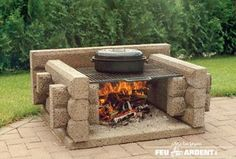 outdoor fireplace The Picnic with steak grill, by Les Foyers Feu Ardent Backyard Projects, Outdoor Projects, Fire Pit Wall, Fire Pits, Gazebos, Modern Fire Pit, Fire Pit Furniture, How To Grill Steak, Bbq Grill