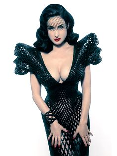 """Dita von Teese wearing the """"first fully articulated 3-D printed gown"""". [source]"""