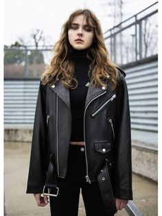 Naty Oversize Rider Jacket - Source by Tzukani - Best Leather Jackets, Leather Jacket Outfits, Suede Jacket, Leather Pants, Look Rock, Celebrity Outfits, Edgy Outfits, Celebrity Style, Outfit Invierno