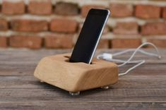 Live+Edge+iPhone+6+stand,+Charging+station,+solid+oak+wood+iPhone+docking+station,+Smartphone+stand,+iPhone+6++dock+Docking+statio…
