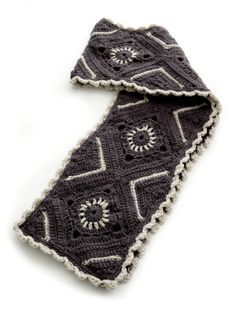 what a cool scarf! FREE crochet pattern!