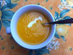Wortel-appel-preisoep. Soepen zijn gezond, lekker en makkelijk om te maken. Een van de favorieten van mijn vrienden en familie is mijn wortel-appel-preisoep. De combinatie  van zoet, friszuur en een beetje peper is altijd een hit.