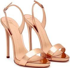 Naomie Harris in Silver Giuseppe Zanotti Slingback Sandals