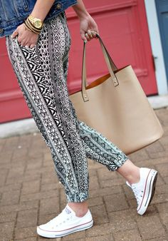 Printed track pants with converse. Outfit idea for spring.