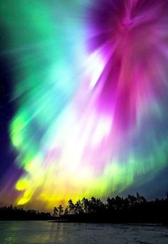 Aurora Borealis - (Aurora's Face by Mikko Lönnberg). All Nature, Science And Nature, Amazing Nature, Beautiful Sky, Beautiful Landscapes, Beautiful Images, Northen Lights, To Infinity And Beyond, Natural Phenomena