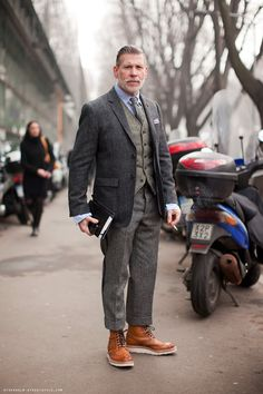 Nick Wooster....You really have to be a confident man to rock this look! I like it!