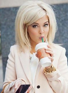 10 Short Blonde Hair Ideas: 2014 Best Short Haircuts Love this.but I wouldn't do blonde. Love Hair, Great Hair, Big Hair, Big Blonde Hair, Going Blonde, Sassy Hair, Full Hair, Blonde Bobs, Awesome Hair