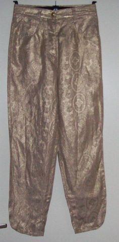 Goudkleurige broek Maat 36,  Prijs: € 19,00