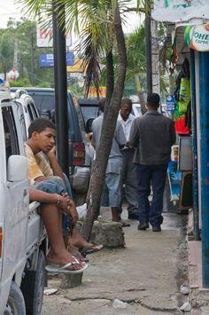 Por la calle, Santiago de los Caballeros, Republica Dominicana