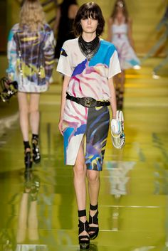 Versace Spring 2014 Ready-to-Wear Fashion Show - Zlata Mangafic
