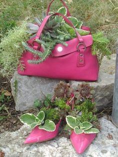72 Old Shoe Planter Ideas For Balcony Garden – Balcony Decoration Ideas in Every… – Garten ideen Garden Yard Ideas, Garden Crafts, Balcony Garden, Garden Projects, Garden Art, Easy Garden, Backyard Ideas, Diy Projects, Succulent Gardening