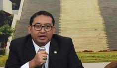 DPR Bakal Tindaklanjuti Berbagai Masukan Terkait Otonomi Khusus Aceh Papua dan DIY : Ketua Tim Pemantau Pelaksanaan Otonomi Khusus Aceh Papua dan DIY DPR RI Fadli Zon mengatakan tim yang berkunjung ke Aceh akan menindaklanjuti berbagai masukan dari