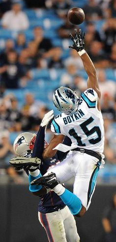 5d6b7da30 Carolina Panthers wide receiver Jarrett Boykin is unable to make a pass  reception of a pass